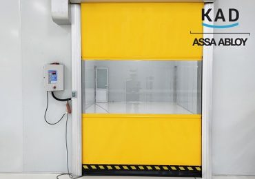 Cửa màu vàng dày 1mm nổi bật